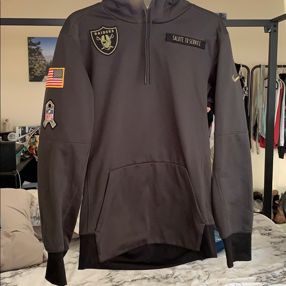 brand new 2fea4 8e8ba Raiders salute to service sweater